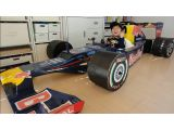 foto-galeri-mom-builds-cardboard-red-bull-formula-1-car-for-4-year-old-10161.htm