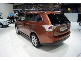 2013 Mitsubishi Outlander debuts in Geneva