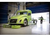 foto-galeri-volvo-aims-to-set-a-new-world-speed-record-with-a-hybrid-truck-10751.htm