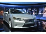 2013 Lexus ES 300h & 350 revealed in New York