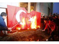 Erivan'da Türk bayrağını yaktılar