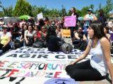 Tecavüz sanıkları beraat etti kadınlar yol kapat