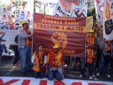 foto-galeri-futbol-taraftarlari-1-mayis-kutlamalarinda-11855.htm