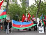 New York'ta protesto düellosu