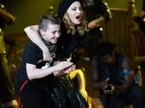 Madonna oğluyla aynı sahnede