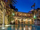 Versace'nin öldürüldüğü ev 125 milyon $'a satılık