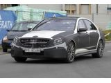 foto-galeri-2013-mercedes-s63-amg-spied-with-less-disguise-13099.htm