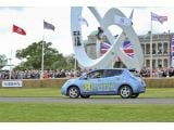 foto-galeri-nissan-leaf-sets-reverse-record-at-goodwood-videos-13295.htm
