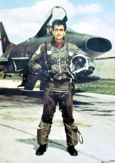 16 Yıl 246 Nce Ege De D 252 şen F 16 Pilotu Y 252 Zbaşı Nai Foto