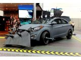 foto-galeri-hyundai-elantra-coupe-zombie-survival-machine-officially-revealed-13593.htm