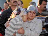 Patlama sonrası ailelerin gergin bekleyişi