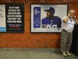 Olay afişler New York metrosuna asıldı