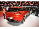 foto-galeri-fourth-gen-renault-clio-hatchback-and-wagon-introduced-in-paris-photo-15346.htm
