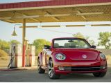 2013 Volkswagen Beetle Cabriolet revealed