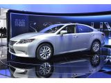 foto-galeri-lexus-es-magazine-ad-comes-to-life-thanks-to-cineprint-technology-pho-15772.htm