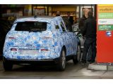 foto-galeri-bmw-i3-spied-with-new-range-extending-engine-16874.htm