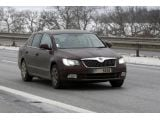 foto-galeri-2013-skoda-superb-facelift-spied-showing-minor-updates-17683.htm
