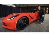foto-galeri-super-bowl-mvp-joe-flacco-awarded-a-2014-corvette-stingray-17898.htm