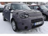 foto-galeri-2014-kia-soul-poses-for-the-camera-18402.htm