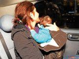 3 aylık bebeğiyle gözaltına alındı