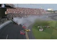 Araba yarışında dehşet: 33 yaralı