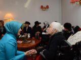 Hayrünnisa Gül'den İsveç'te Yaşlılar Evi'ne ziyaret