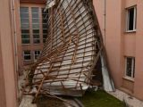 Lodos Düzce'de Okul Çatısını Uçurdu