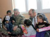 Komutanlar BDP'li Belediye Başkanıyla Halay Çekti
