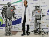"""Yerli İnsansı Robot: """"AKINCI-2"""""""