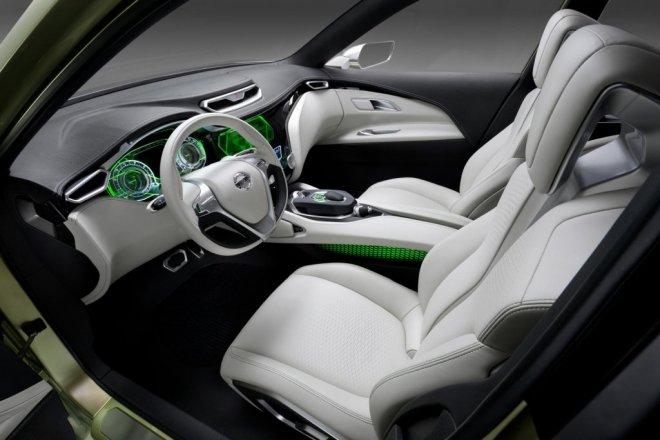 2014 nissan qashqai to debut in november plug in hybrid for Nissan qashqai 2014 interior