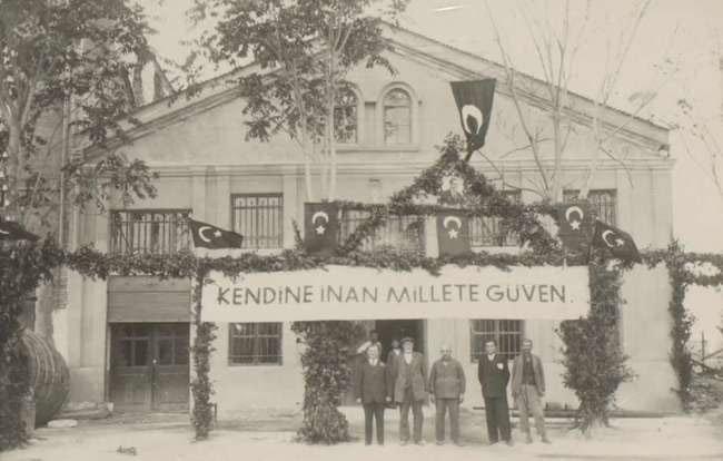 Mercedes Benz Gle Coupe >> Cumhuriyet'in ilk yılları foto galerisi resim 1