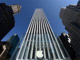Apple ilk kez ilk 10'a girdi
