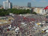 Polis Çekildi! Direnişçiler Taksim Gezi Parkı'nda