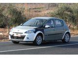 2013 Renault Clio mule spied 15.02.2011 / Copyright SB-Medien