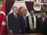 Cumhurbaşkanı Erdoğan'ın maketiyle poz verdiler