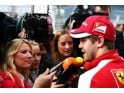 foto-galeri-vettel-featured-in-giant-cigarette-ads-photos-40872.htm