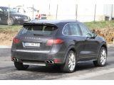 2012 Porsche Cayenne Turbo S spied 20.04.2011 / Copyright SB-Medien
