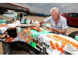 foto-galeri-force-india-vjm01-05-art-car-by-dexter-brown-5976.htm
