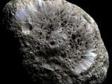 Saturn'un şaşırtan uydusu
