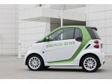 foto-galeri-2012-smart-fortwo-electric-drive-vs-e-bike-6515.htm