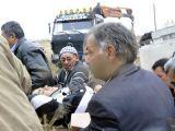 İşçileri taşıyan otobüs devrildi: 34 yaralı