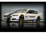 foto-galeri-2013-ford-fusion-nascar-sprint-cup-car-revealed-9460.htm