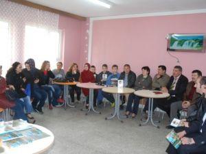 Saltukova Lisesinin ESKİ Mezunları Yıllar Sonra Bir Araya Geldi