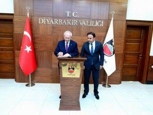 Kılıçdaroğlu, Diyarbakır Valiliğini Ziyaret Etti