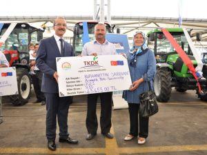 Uşaklı Çiftçilere TKDK Tarafından 146 Traktör Teslim Edildi