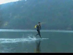 Su Üzerinde Koşmayı Başardı