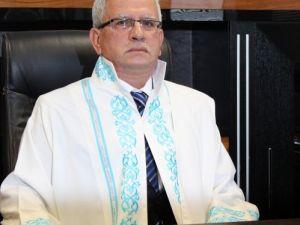 Balıkesir Üniversitesi Rektörü Özdemir Göreve Başladı