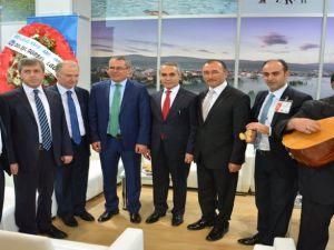 Emıtt  Doğu Akdeniz Uluslararası Turizm ve Seyahat Fuarında Ardahan Standı Yoğun İlgi Gördü