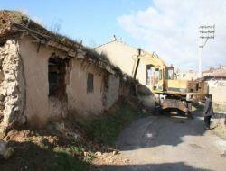 Bolvadin Belediyesi Tehlikeli Binaları Yıkıyor - Afyon