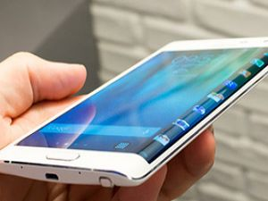 Samsung Galaxy S6 ve S6 Edge'yi Tanıttı